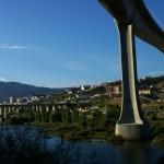 Pfeiler der neuen Brücker der IP3, hinten die der EN2 Verkehrsverbindung