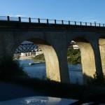 Die alte Brücke der EN2 Strasse bei Peso da Regua hier aus der Nähe