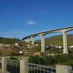 Von der EN2 zur Brücke der IP3 schauend wird die Göße deutlich